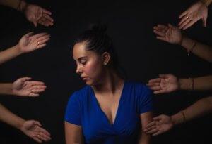 5 formas de ayudar cuando un padre es abusado