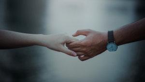 Resista el impulso de fusionarse: 5 pequeñas formas de evitar perderse en su relación Aprenda 2